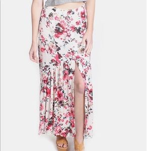 Euc ASOS En Creme pink floral split front skirt.